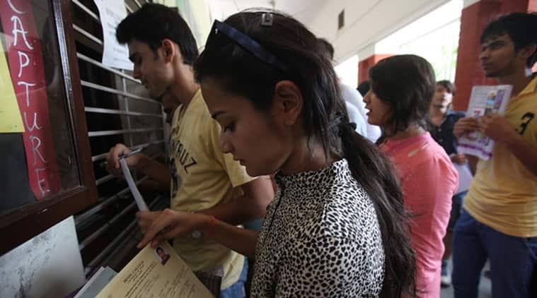 du admission, du admissions, du admissions 2019, du admission 2019, delhi university, delhi university admissions 2019, du cut off list, du first cut off list, college admissions, du admission process, education news, indian express news