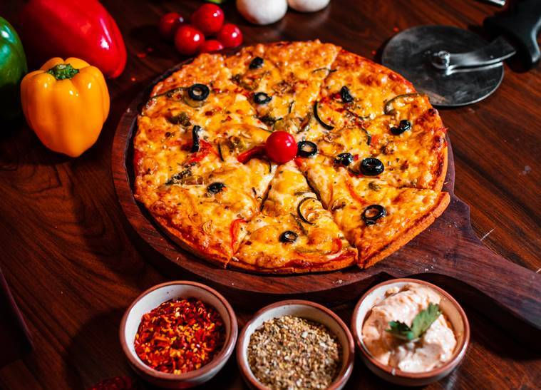 pizza, fresh pizza, delicious pizza recipe, indian express, indian express news