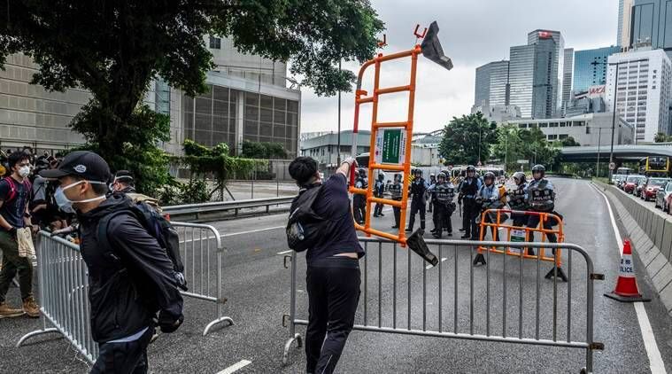 Hong Kong residents block roads to protest extradition bill