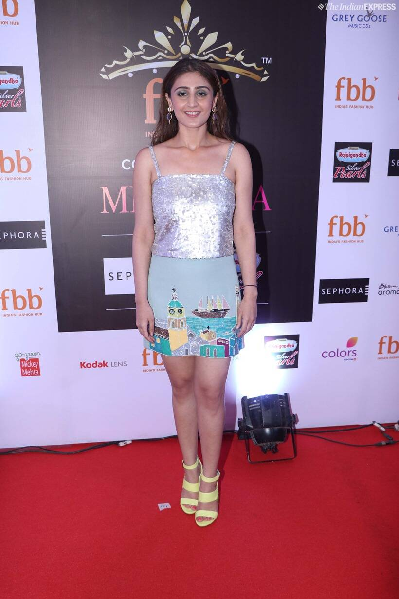 dhvani bhanushali at femina miss india 2019 finale