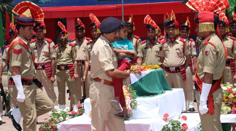 Arshad Khan, anantnag terror attack, arshad khan son, arshad khan son photo, j&k police, j-k police shares photo, wreath laying ceremony, indian express