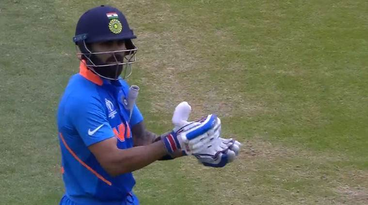 Watch: Virat Kohli signals crowd to cheer instead of booing Steve Smith