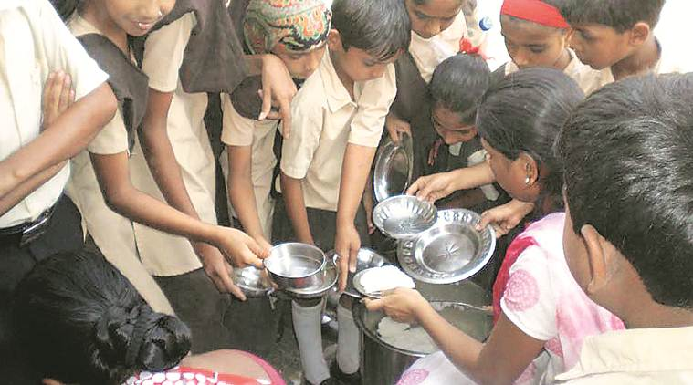 mid day meal, mid day meal video lucknow, mirzapur mid day meal row, police, students, government school students served roti with salt, lucknow news, indian express news