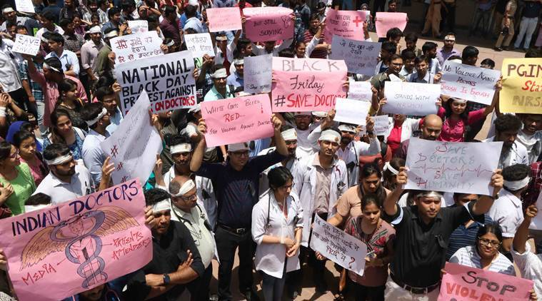 PGIMER doctors protest in solidarity with their Kolkata counterparts