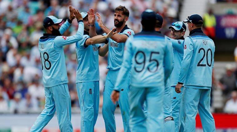 Roy's 'luxury runs' secure win for England