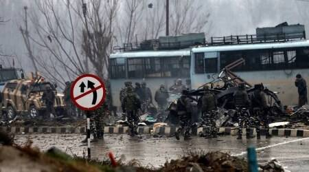 pulwama attack, pulwama terror attack, anantanag encounter, pulwama attack militant killed, Jaish-e-Mohammad militant, Sajad Maqbool Bhat, van used in Pulwama attack, Jammu and kashmir, J&K police, Indian army, India news, indian express