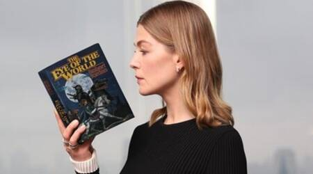 Rosamund Pike to lead Amazon's upcoming adaptation Wheel of Time