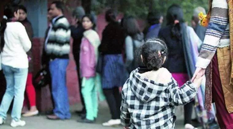 Mumbai: Single parent's kid denied admission, notice issued