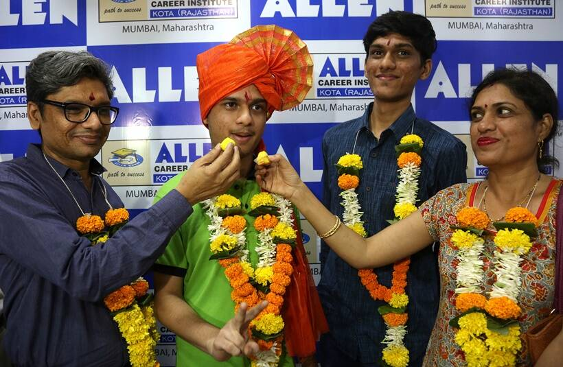 jee advanced results, jee advanced results 2019, jee advance result, jee advanced iit roorkee, iit roorkee jee advanced result, jeeadv.ac.in, jee advanced toppers, jee advanced topper, kartikey gupta, education news, indian express news