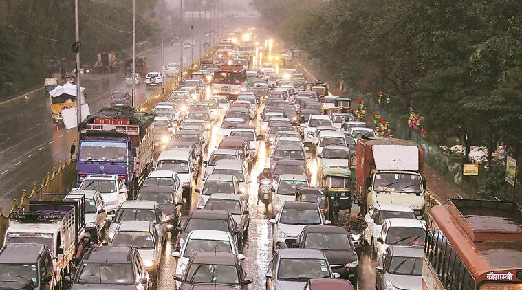 mumbai traffic, mumbai public toilets, public toilets in mumbai, mumbai traffic signals, traffic in mumbai, mumbai news, Indian Express