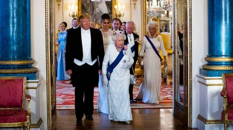 Trump insults London mayor as 'loser' as he pays tribute to the Queen
