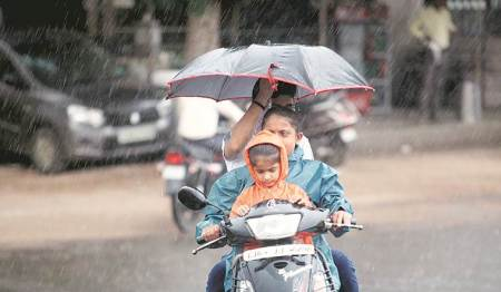 Mumbai, Mumbai News, Mumbai rains, weather today, Mumbai weather, Cyclone Vayu, Mumbai rains, Mumbai news, Mumbai weather, Indian Express