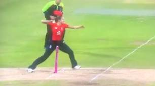 England Women's Kate Cross trolled for missing easy run out, clarifies her action on Twitter