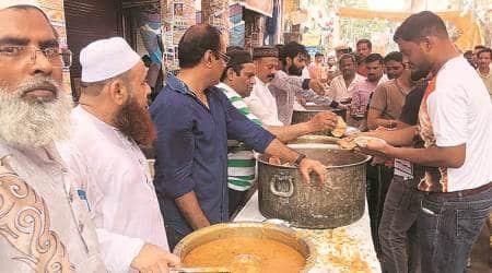 old delhi violence, chandni chowk violence, Shobha Yatra, Hauz Qazi, Aman Committee, temple destroyed in old delhi, delhi news