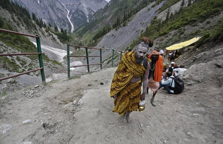 Traffic curbs on civilians during Amarnath Yatra leave Valley fuming