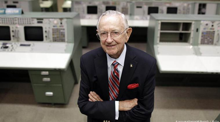 Chris Kraft, whose work on the ground helped NASA launch humans into space, dies