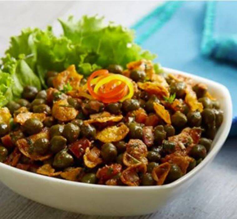 corn flakes chana chaat, delicious chaat recipe, monsoon recipe, indian express