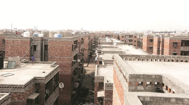 delhi slums, delhi housing for poor, dda housing, JNNURM projects, ews colonies, ews housing schemes, dda housing slum dwellers, jj colony, JNNURM, delhi modernisation project, delhi development authority