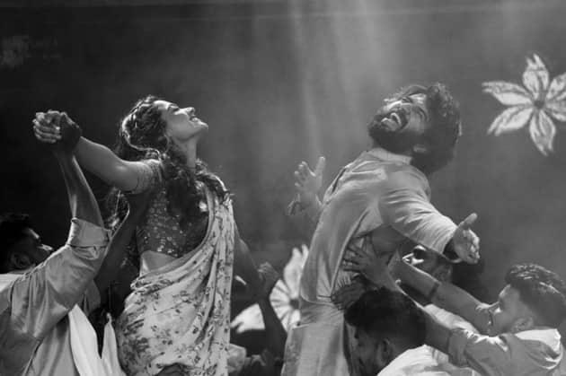 dear comrade stars rashmika mandanna and hrithik roshan