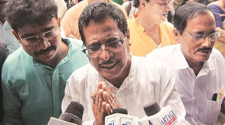 TMC strips Bidhannagar Mayor's powers, he meets BJP's Mukul Roy