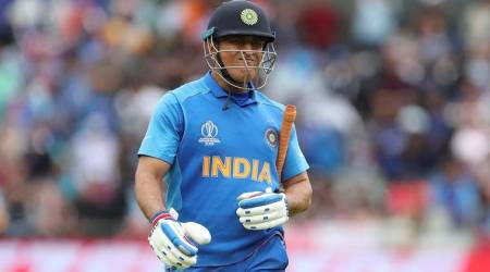 dhoni, dhoni retirement, dhoni retirement rumour, Virat kohli tweet, virat kohli dhoni retirement tweet, trending, twitter reactions, indian express, indian express news