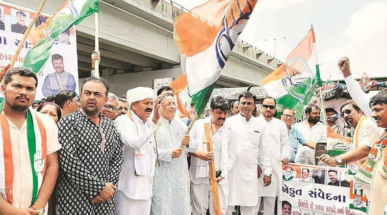 Cong takes out march to protest against groundnut adulteration