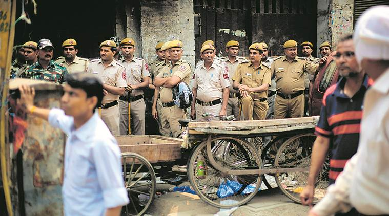 old delhi communal clash, hauz qazi clash, communal clash over parking, temple vandalised in delhi, communal clash in old delhi, amit shah, amulta patnaik, amit shah on old delhi clash, old delhi clash arrests, delhi news