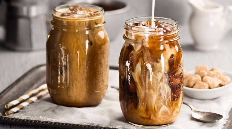 cold brew coffe, iced coffee, difference between cold brew iced coffee, gastroenterologist
