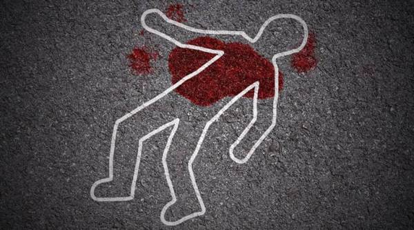 Abp journalists attacked in delhi, abp journalists attacked, journalists attacked in delhi, man commits suicide in saket court, saket court suicide, delhi news