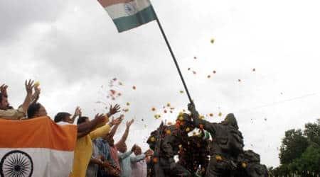 Kargil war, 1999 kargil war, kargil vijat diwas, 20 years of kargil war, kargil war porters, arms and ammunition, indian express