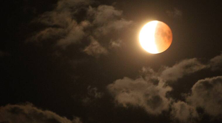 Partial Lunar Eclipse to be viewed in Pakistan, parts of World tonight