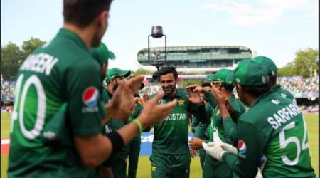sania mirza tweet to shoaib malik, shoaib malik retirement, shoaib malik announces retirement, shoaib malik announces retirement from odi career, shoaib malik announces retirement from odi