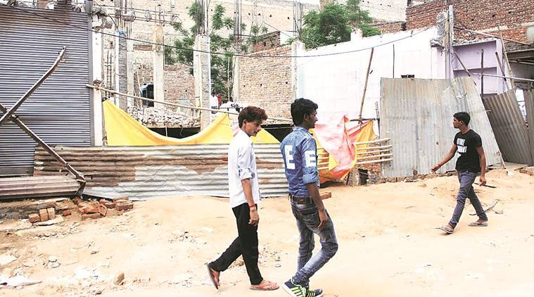 Furgaon news, Manesar woman dies, manesra construction worker dies, Manesar construction labourer dies, Delhi news