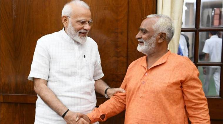 narendra modi, pm modi, prime minister modi, bjp, pm meets bjp supporter, lok sabha elections, lok sabha elections 2019, gujarat, delhi, man cycles from gujarat to delhi, indian express news