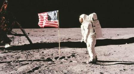 Apollo 11, Apollo 11 astronauts, Neil Armstrong, Buzz Aldrin and Michael Collins, Apollo astronauts photos, NASA, NASA American photo, American photo on moon, Apollo Astonauts moonwalk, Apollo Astronauts moonwalk photos, MTV