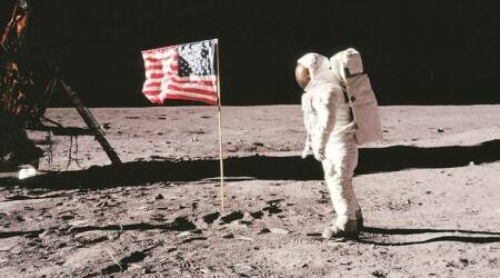 Apollo 11, Apollo 11 astronauts, Neil Armstrong, Buzz Aldrin and Michael Collins, Apollo astronauts photos, NASA, NASA American photo, American photo on moon, Apollo Astonauts moonwalk, Apollo Astronauts moonwalk photos, MTV