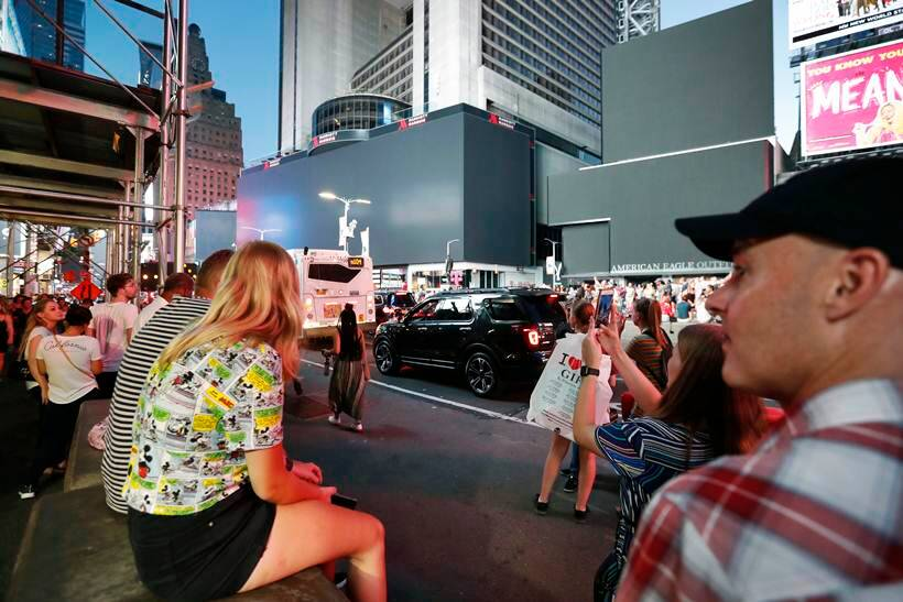new york power outage, nyc, nyc photos, new york times square, manhattan, broadway, united states, world news, indian express