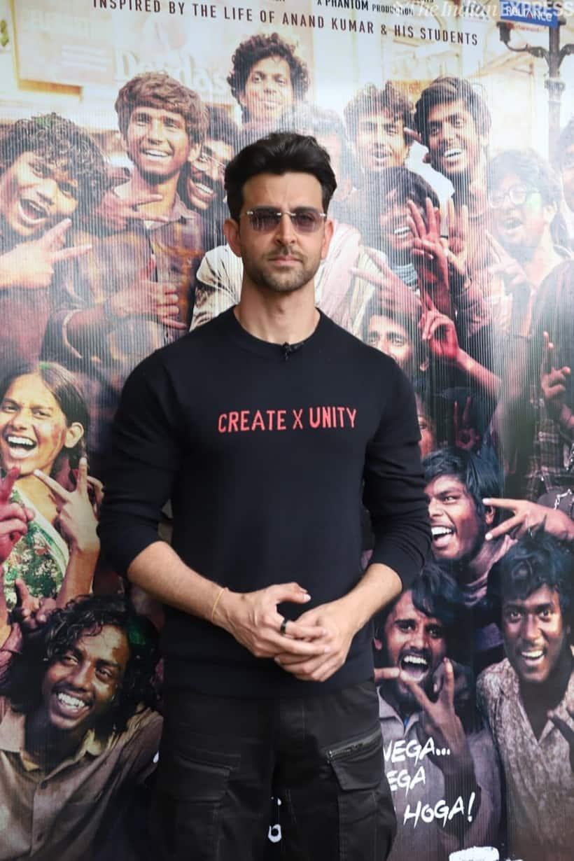 hrithik roshan promotes super 30