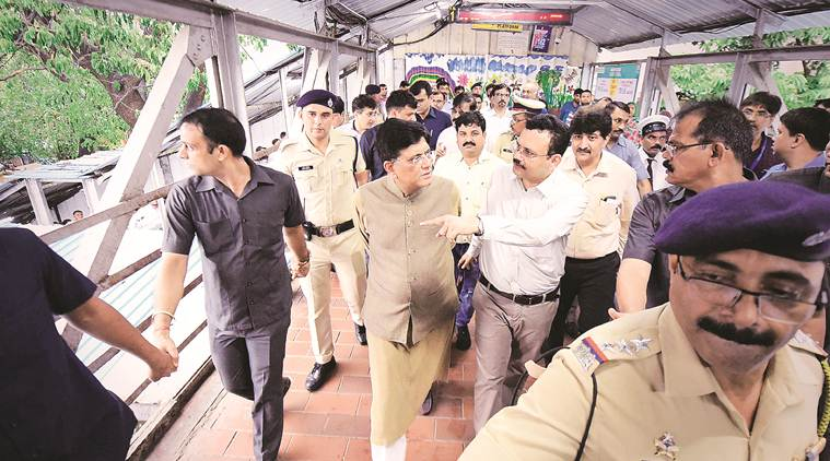piyush goyal, railway minister, railway minister piyush goyal, byculla station, mumbai byculla station, byculla station mumbai, chhatrapati shivaji maharaj terminus, csmt, mumbai news, Indian Express