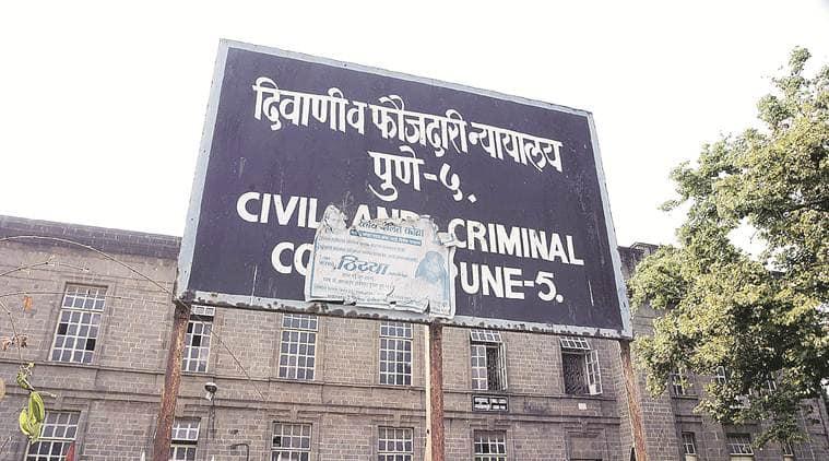Pune, Pune news, Pune court, Pune district court, Pune clerk bribe, Pune court clerk bribe, Indian Express