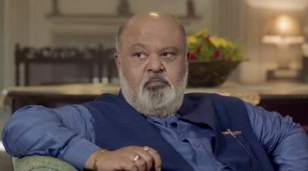 saurabh shukla in Family of Thakurganj