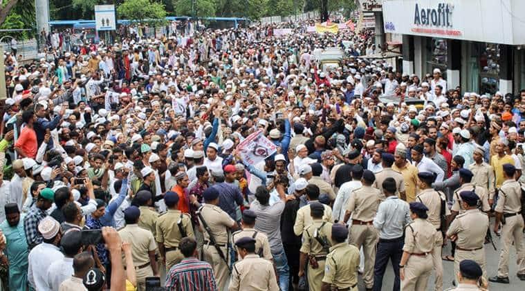 Gujarat, Gujarat clashes, Surat clashes, Surat Police, Surat News, Surat, Mob lynching, Tabrez Ansari, Ahmedabad News, Indian Express