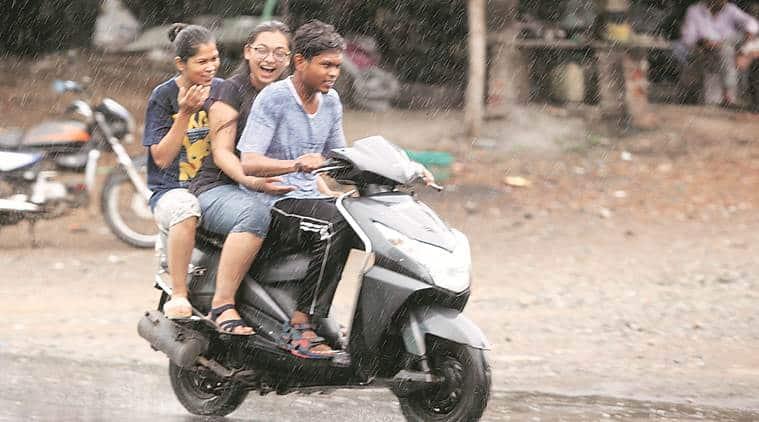 Gujarat: Heavy rain raises Ukai dam water level in Tapi
