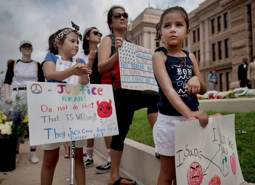 lights for liberty protest, trump immigration policy, donald trump, abolish ice, immigration protest photos, chicago, world news, indian express