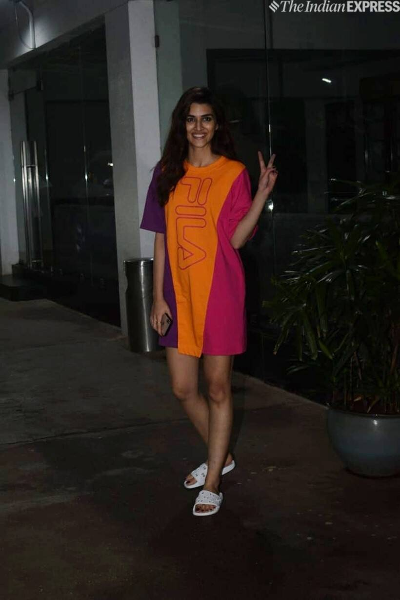 kriti sanon at kiara advani birthday