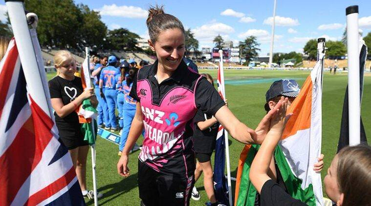 New Zealand captain Amy Satterthwaite first to benefit from new maternity provisions