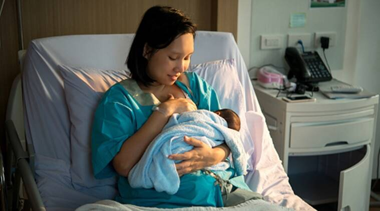 Breastfeeding In The Golden Hour Right After Childbirth -9734
