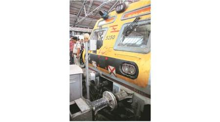 train buffer hit csmt, mumbai train hits buffer, mumbai local trains, mumbai city news, indian express news