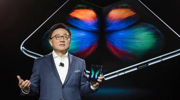 Samsung Galaxy Fold, Galaxy Fold, Galaxy Fold price in India, Galaxy Fold specifications, Galaxy Fold review, Galaxy Fold foldable phone