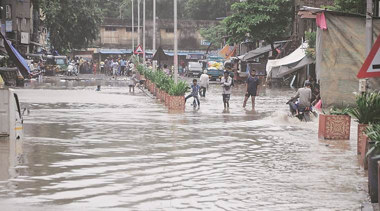 Parts of Surat still flooded as rain, discharge from Ukai dam continue